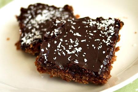 Easy chocolate slices